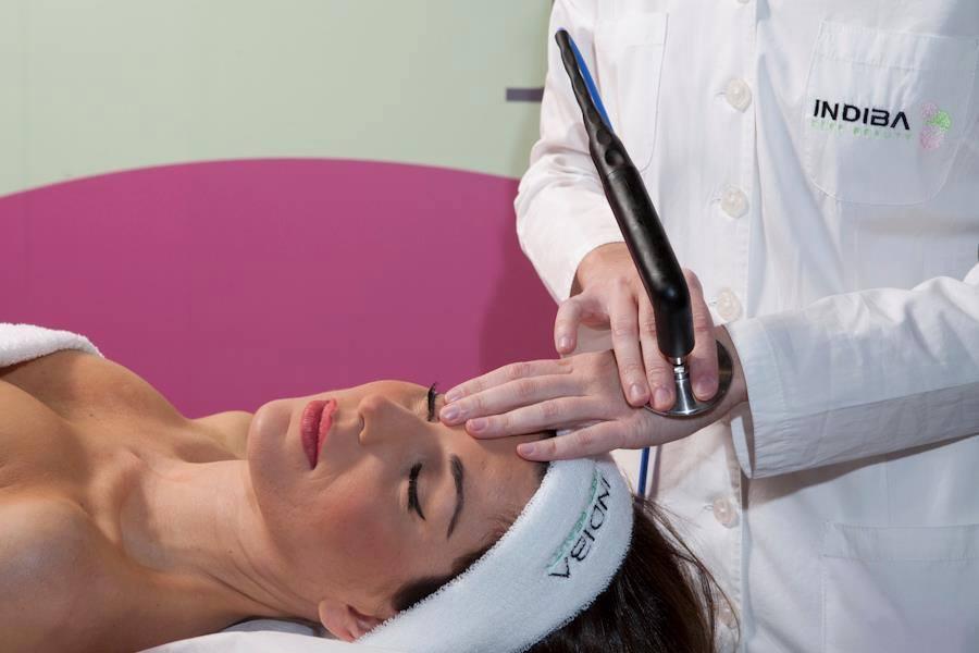 Tratamiento facial con Indiba